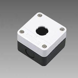 Pusta biała kaseta sterownicza z 1 otworem 22mm – BE01