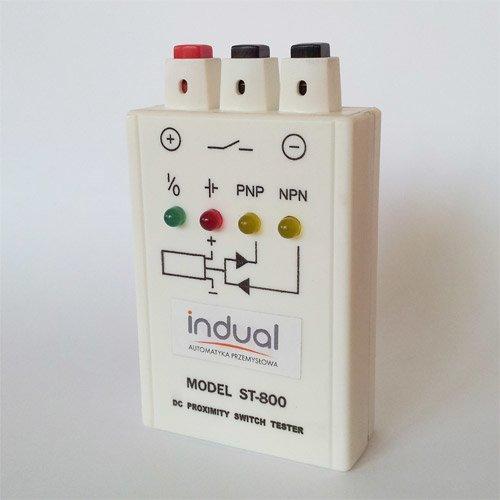 Tester czujników przemysłowych ST-800 z bateriami